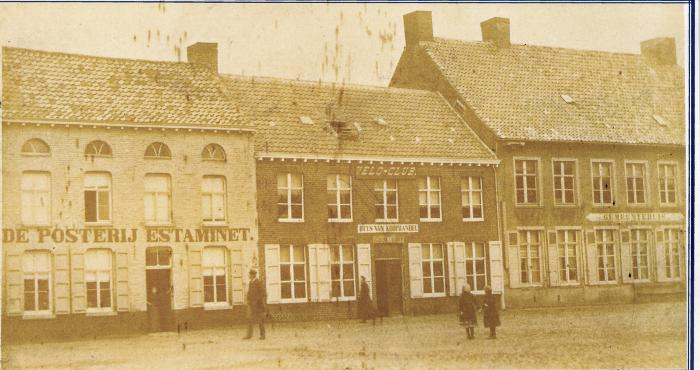 Markt Lichtervelde anno 1900, kant Gemeentehuis