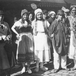Verkleede krameniers, batjes Roeselare, 1932