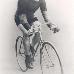 portret Odiel Defraeye op fiets