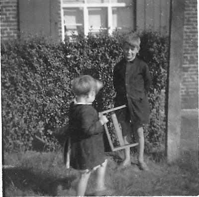 Spelende kinderen, Gits, 1951