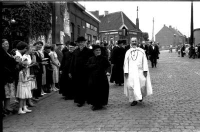 Inhuldiging pastoor Claeys, Emelgem, 1958