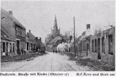Straat met kerk in Dadizele, oktober 1917