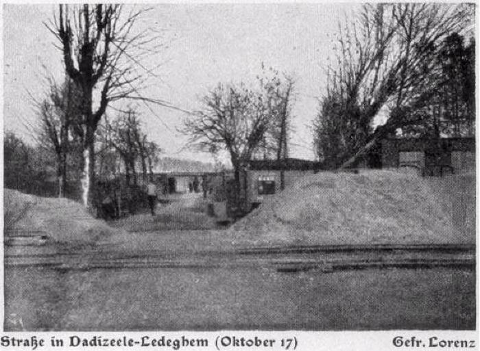 Een straat in Dadizele-Ledegem, oktober 1917