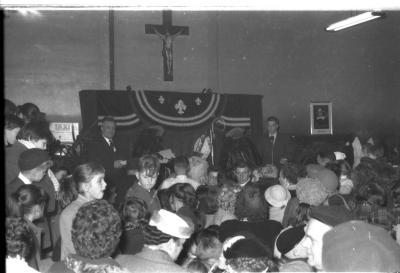 Groep ACW en KAJ. viert sinterklaas, Izegem, 1958