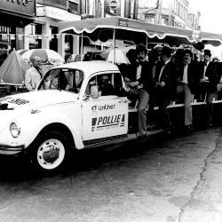 Wagen Snorrenclub Roeselare tijdens batjes, 1982
