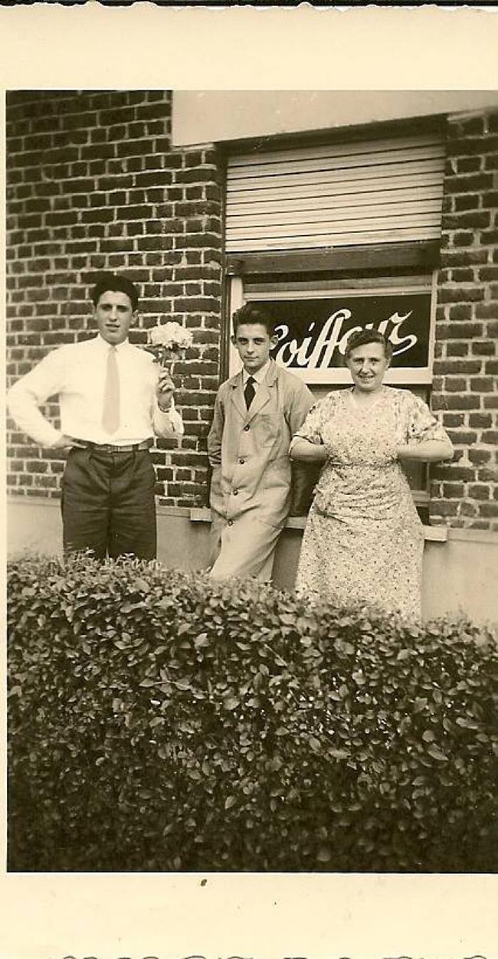 De eerste haarkapper, jaren '40