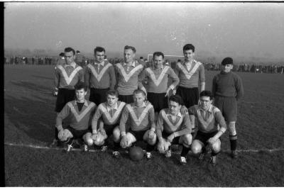Fotoverslag voetbalwedstrijd Houthulst-Staden, Izegem, 1958