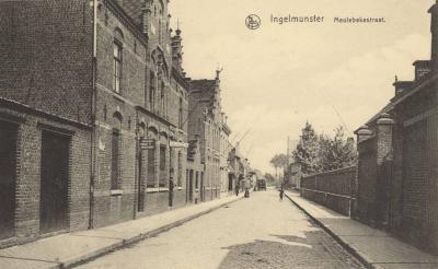 Zicht op de Schoolstraat, toen Meulebekestraat, Ingelmunster, ca 1910