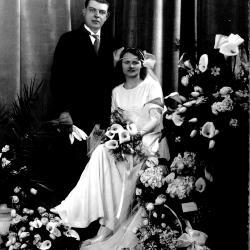 Huwelijksfoto van Achiel Ghekiere en Anna Blomme.