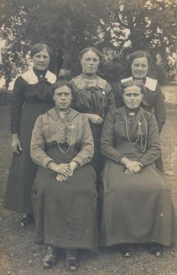 Dames uit Beveren, 1920