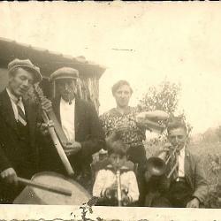 Groepsfoto Beveren-Roesealre, jaren '30