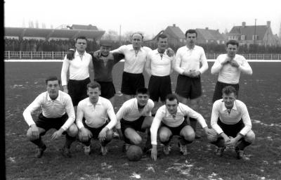 Voetbalwedstrijd FC Izegem-AS Oostende, Izegem, 1958