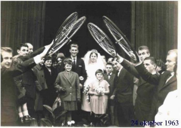 Huwelijk Roland Aper