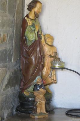 Beelden in witte kapel, Gits