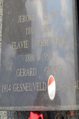 Aandenken aan Jerome en Gerard Gunst, Flavie Vermander, Hooglede