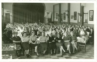 Feestmaal voor K.A.V.-vrouwen in parochiezaal H. Hart Roeselare