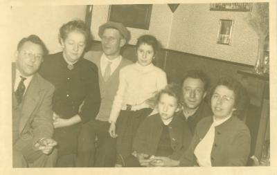 Familiefoto in woonkamer