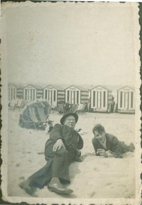 Twee mannen op het strand