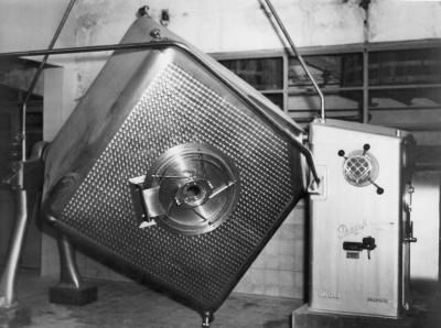 Inox boterkarn zuivelbedrijf De Toekomst, Moorslede, 1948-1966