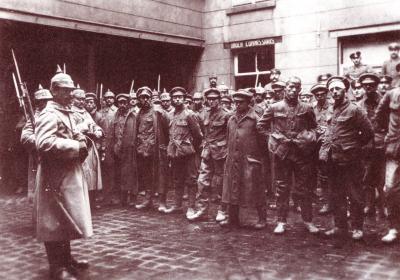 Krijgsgevangenen op binnenkoer, Roeselare