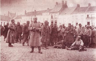 Groepje krijgsgevangenen, Roeselare 23 april 1915