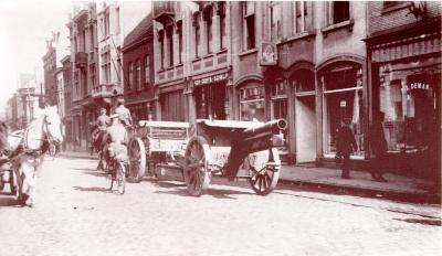 Kanon in Ooststraat, Roeselare