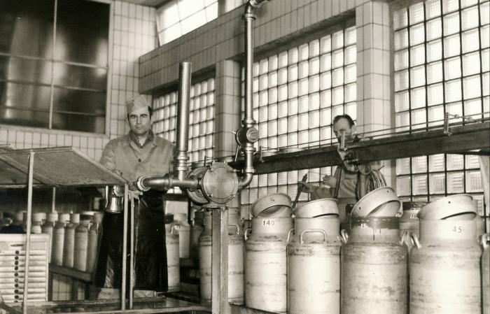 Melkontvangst zuivelbedrijf De Toekomst (1948-1966), Moorslede