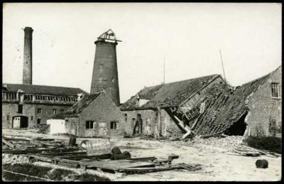 Zwaar beschadigde Loomolen (Molen Ampe), Staden