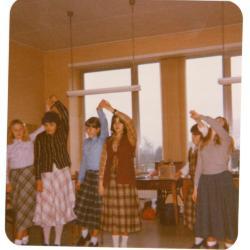 In het eerste jaar naaien, Gits 1980