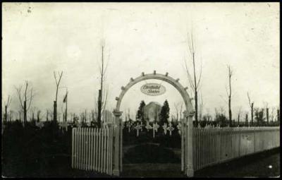 Toegang tot Duitse militaire begraafplaats, Staden