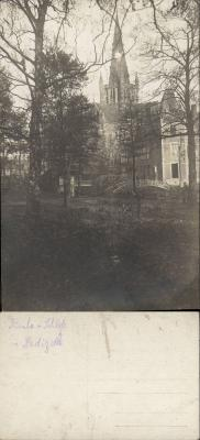 Kasteel en kerk gezien vanuit het park, Dadizele