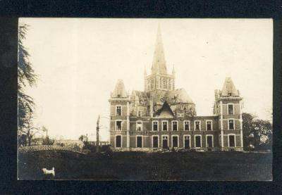 Beschadigde kerk en kasteel, Dadizele