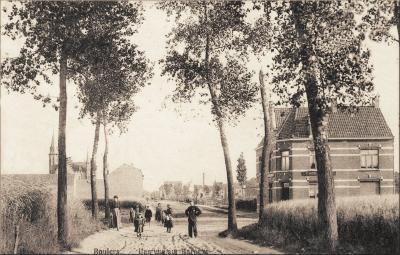 Stationsdreef met zicht op Barnum, Roeselare