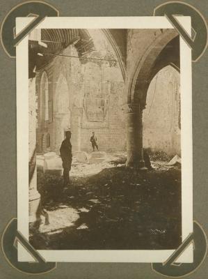Interieur kerk Lampernisse (Diksmuide), 5 maart 1915