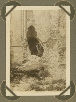 Buitenkant kerk Lampernisse (Diksmuide), 5 maart 1915