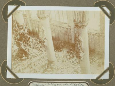 Interieur van verwoeste St.-Romboutskerk, Mechelen 15 september 1914