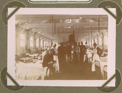 Zaal met gekwetsten in hospitaal Cabourg, Adinkerke 25 augustus 1915