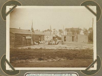 Buitenkant H.E.A. hospitaal ' l' Amitié', Adinkerke 2 augustus 1915