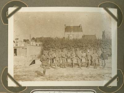 Brancardiers tijdens een oefening, Adinkerke 2 augustus 1915