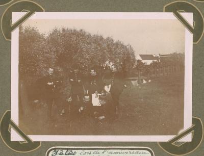Feestje bij huwelijksverjaardag Mr. Daels, Adinkerke 26 juni 1915