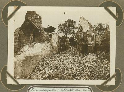 Kruisbeeld op begraafplaats, Ramskapelle 22 september 1915