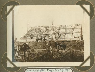 Hoeve Wolvennest met graf van officier, Ramskapelle 1 oktober 1915