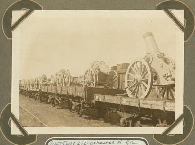 Aankomst 220 mm mortieren in station Adinkerke, 3 oktober 1915