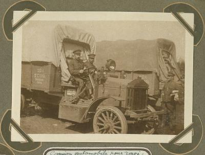 Aanvoer voedselvoorraad met vrachtwagen, 1915