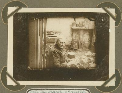 Moeder van veldwachter, Adinkerke 12 augustus 1915
