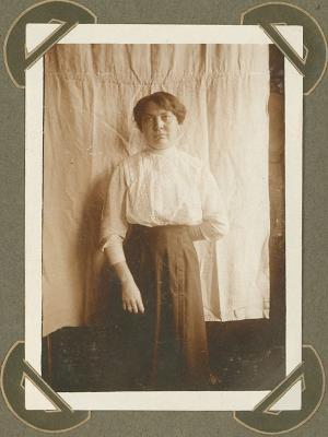 Dochter van kleermaker Handzaeme, Adinkerke 10 september 1915