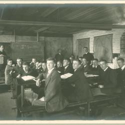 2e Handelsklas bij Oscar Bouckaert, 1916-1917, Roeselare