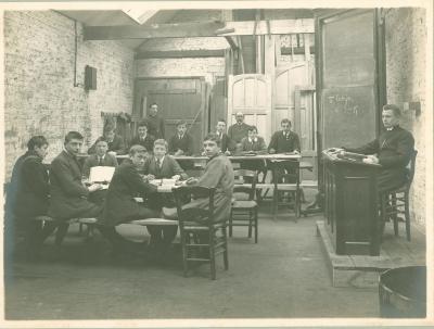 4e Latijnse klas bij E.Cousée-Bostoen, 1914-1915