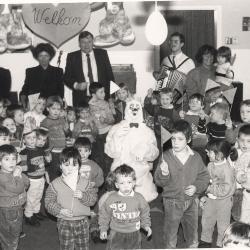 Paashaas bezoekt R.B.S., Lichtervelde, maart 1989