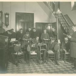 1e, 2e en 4e Handelsklas, Sacristie Sint-Michielskerk Roeselare, 1914-1915